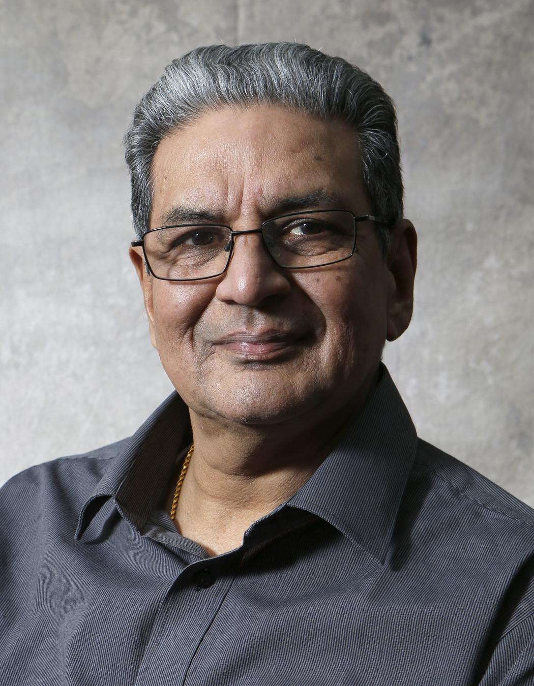 Mr Rajni Mehta